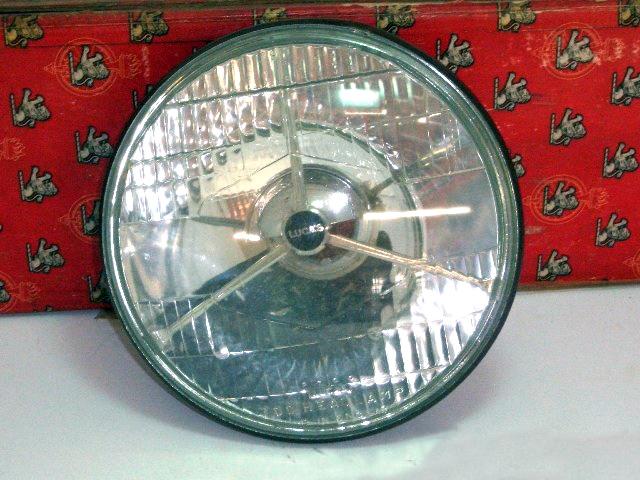 ヘッドライト Lucas 3ポイント 純正 未使用 2個入り オリジナルボックス付き 英国車・MINIのレアパーツ ライト類