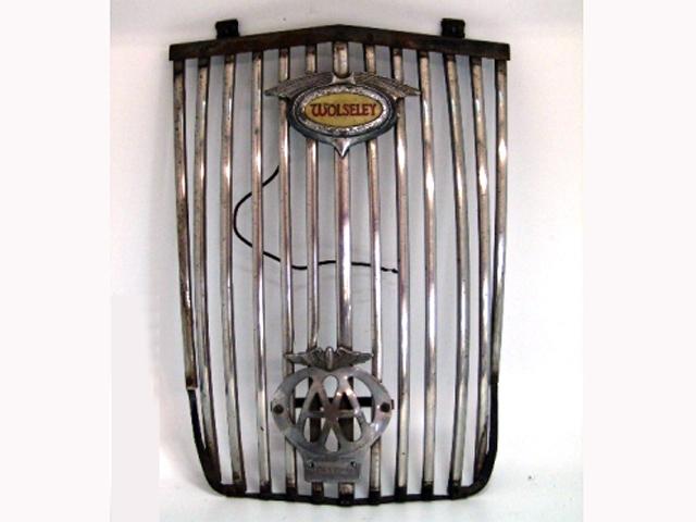 英国車・MINIのレアパーツ ボディ&エクステリア(Body/Exterior) グリルAssy エンブレム+AAバッジ付 ウズレーWoseley 中古