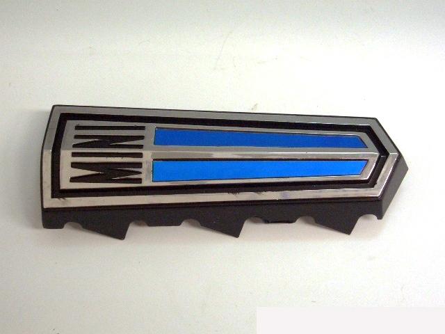 バッジ (フロント) Clubman 純正 未使用 英国車・MINIのレアパーツ エンブレム類(Emblem)
