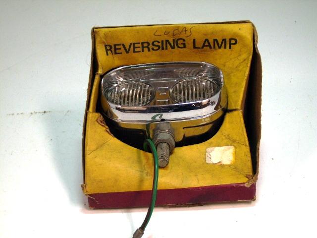 リバースランプAssy Lucasルーカス 純正 未使用 オリジナル ボックス入り 英国車・MINIのレアパーツ ライト類