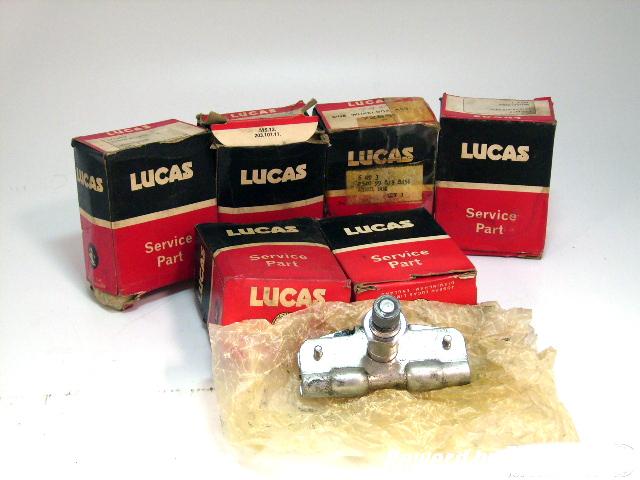 ワイパー ウィールボックス(1個) 純正 ミニ MK-1 純正箱入り 未使用 英国車・MINIのレアパーツ 電装関係(ランプ類を除く)