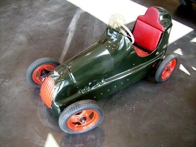 オートモビリア その他 オモチャ ペダルカー Austin Pathfinder オースチン パスファインダー(グリーン)