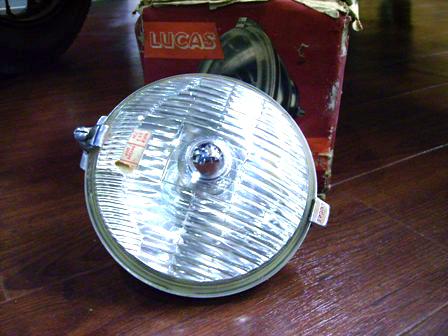 Lucas リア・フォグランプ 純正 未使用 英国車・MINIのレアパーツ ライト類