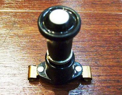 スイッチ Lucas製 汎用 未使用:フォグランプ等に用いられる 英国車・MINIのレアパーツ 電装関係(ランプ類を除く)