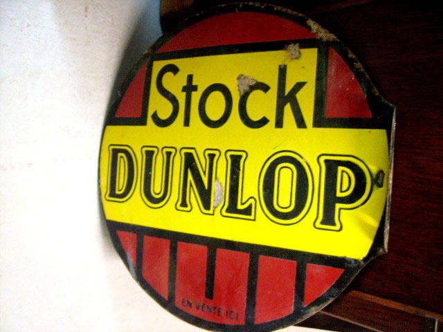 看板 STOCK DUNLOP オートモビリア 看板 サインボード(エナメル他)