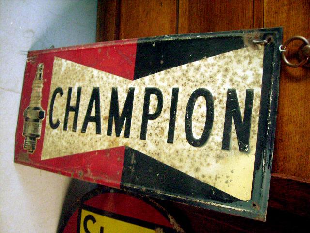 看板 CHAMPIONチャンピオン オートモビリア 看板 サインボード(エナメル他)