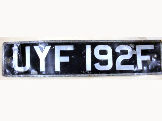 英国 ナンバープレート   UYF192F オートモビリア その他 カー・バッジ/プレート