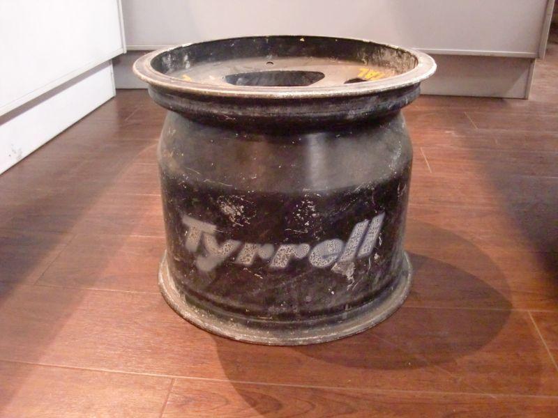 画像1: マグネシウム ホイール FI Tyrrell 1本
