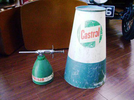 画像2: オイル缶&オイル差し Castrol