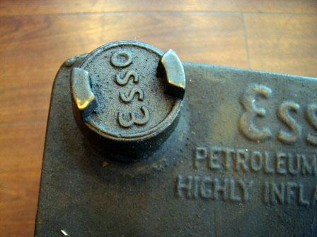 画像2: オイル缶 Esso