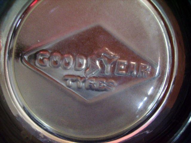 画像2: タイヤ灰皿 GOOD YEAR