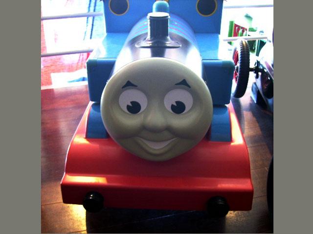 画像2: 英国製 ペダル・カー「機関車トーマス (Thmas the Tank Engine)」 (シリアルナンバー入り)